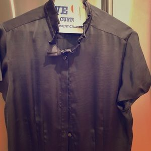 Short sleeve grey button down